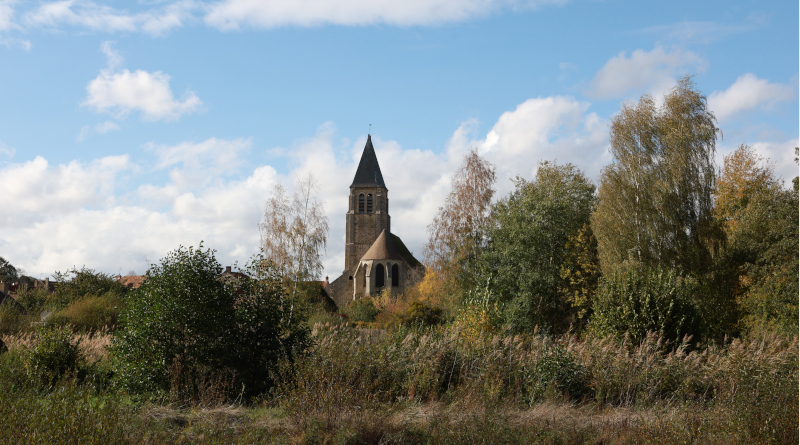 L'imposante église Saint-Georges de Sonchamp. © M'Essonne