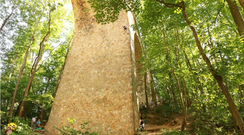 Le viaduc des Fauvettes est considéré comme la plus haute falaise d'Île-de-France par les grimpeurs. Photo © M'Essonne