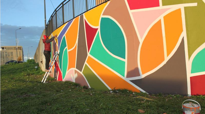 Le chantier de la fresque de Sifat à Grigny. Photo Élodie Vilatte - La Constellation