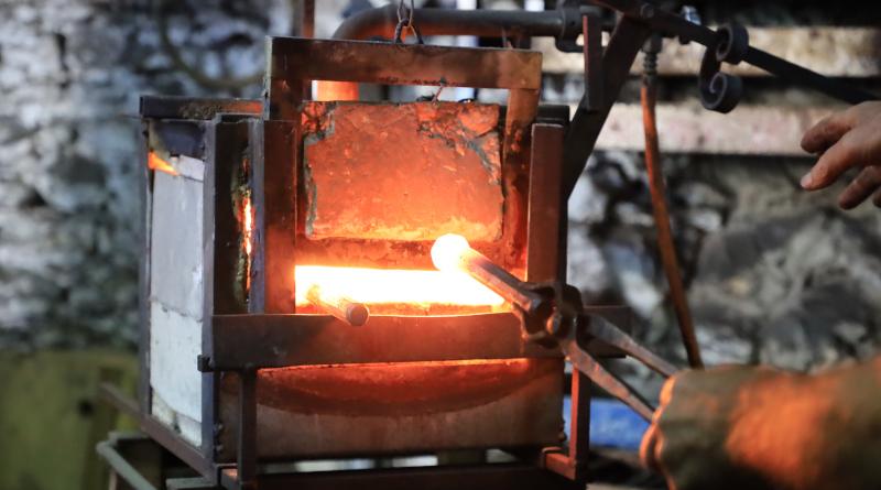 La forge chauffe à 900°C. Photo LC-M'Essonne