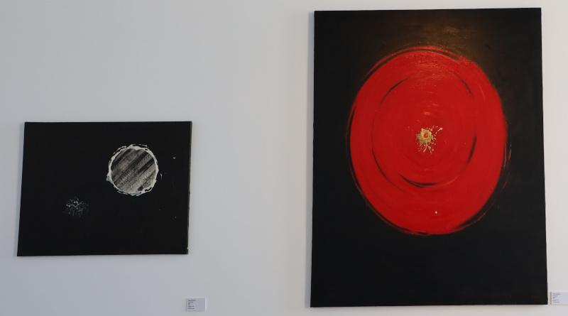 Le mouvement de l'univers est représenté sur son fond noir. Photo LC-M'Essonne