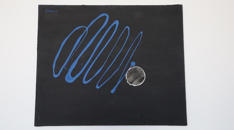 Pierre Scholla peint le cosmos, il s'agit de figuration d'apparence abstraite. Photo LC-M'Essonne