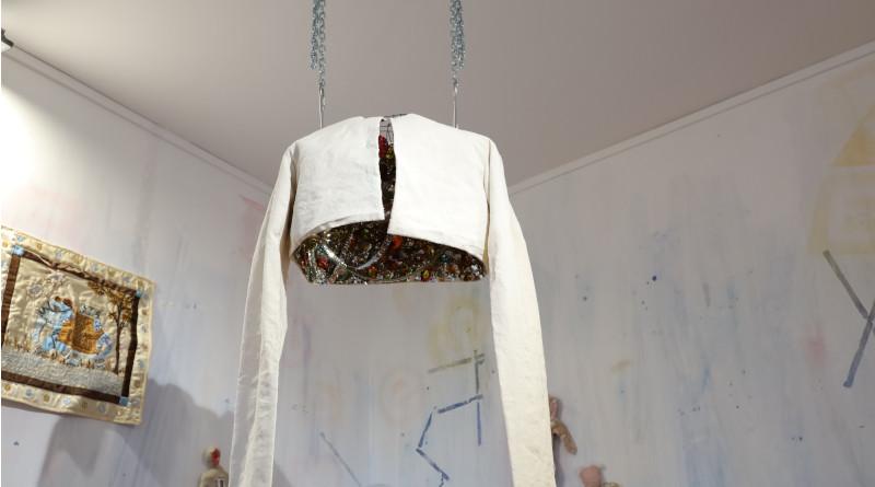 """""""La camisole"""" de Franck Claudon cache le trésor intérieur. Photo LC-M'Essonne"""