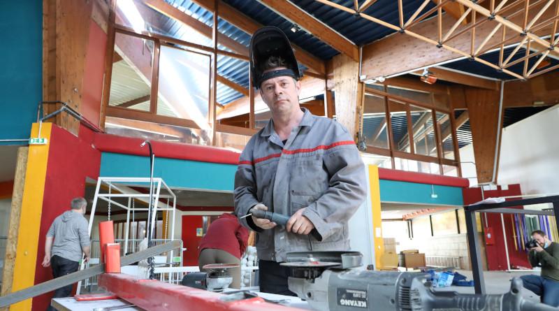 Laurent Mesnier, de Tricyclique Dol, coordonne la fabrication du manège. Photo LC-M'Essonne