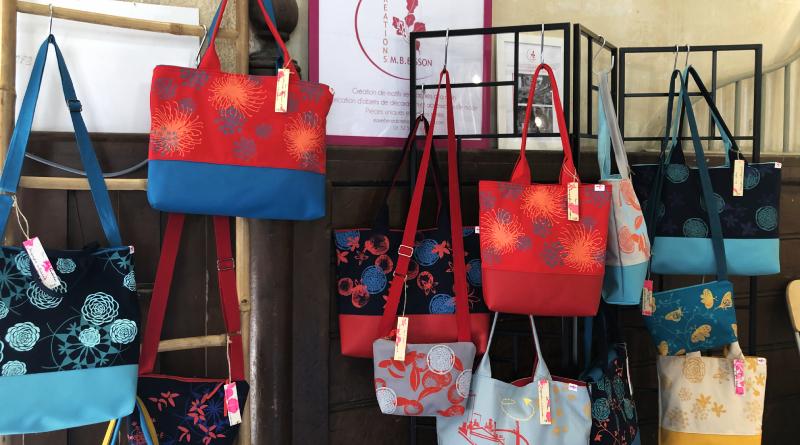 Les sacs en tissus sérigraphie et similicuir de MB Buisson - Crédit AR M'Essonne